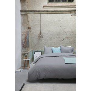 Housse de couette essentiel sur un lit